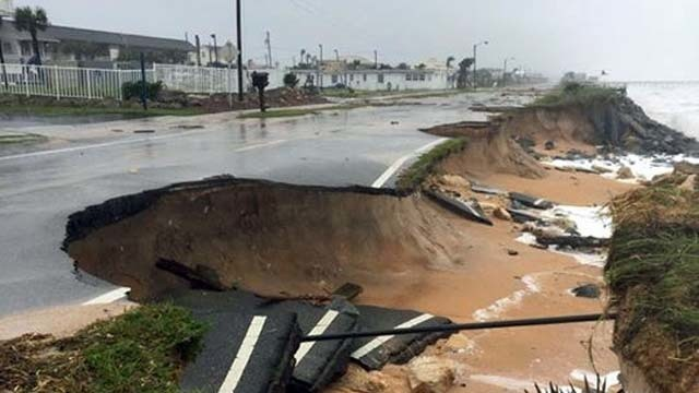 Washed out portion of Highway A1A in Flagler Beach. Image courtesy of Noppawat Charoensinphon on Flickr.